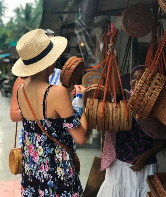 Roundie-Looking-Bags-Ubud